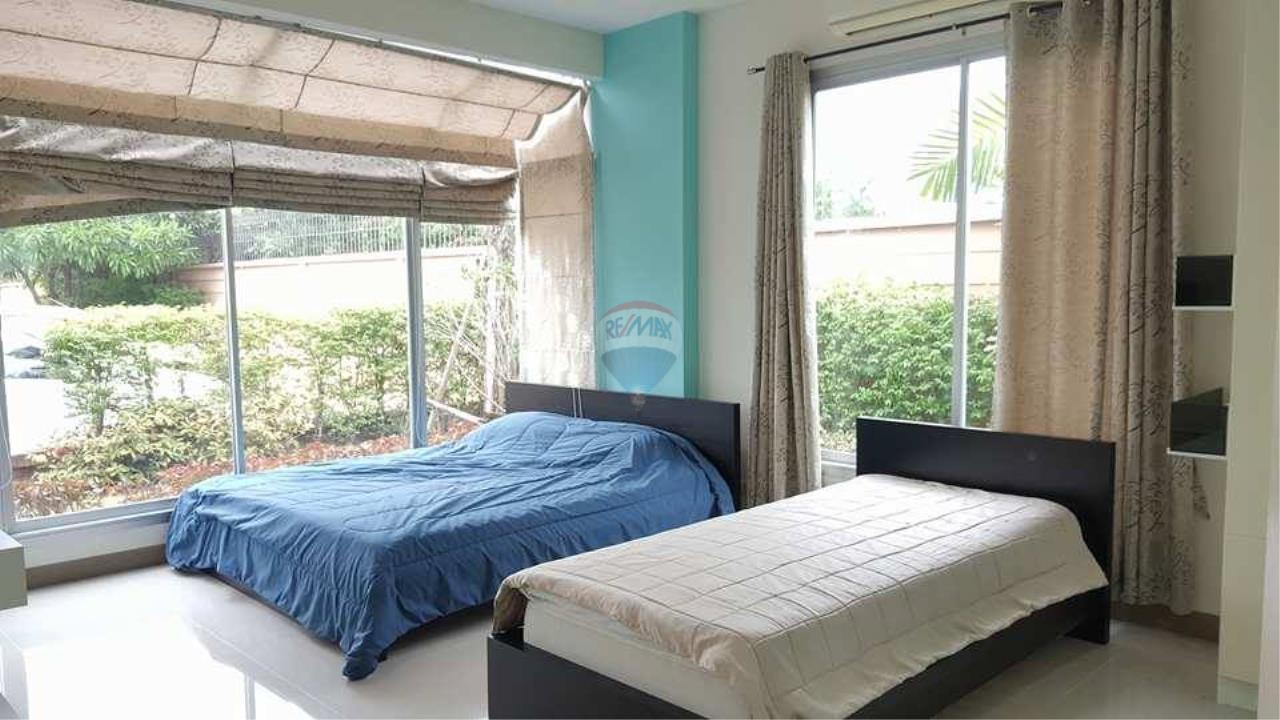 RE/MAX Real Estate Pros Agency's Single House near HadMaeLamPhueng Beach 200meters Muang Rayong 9