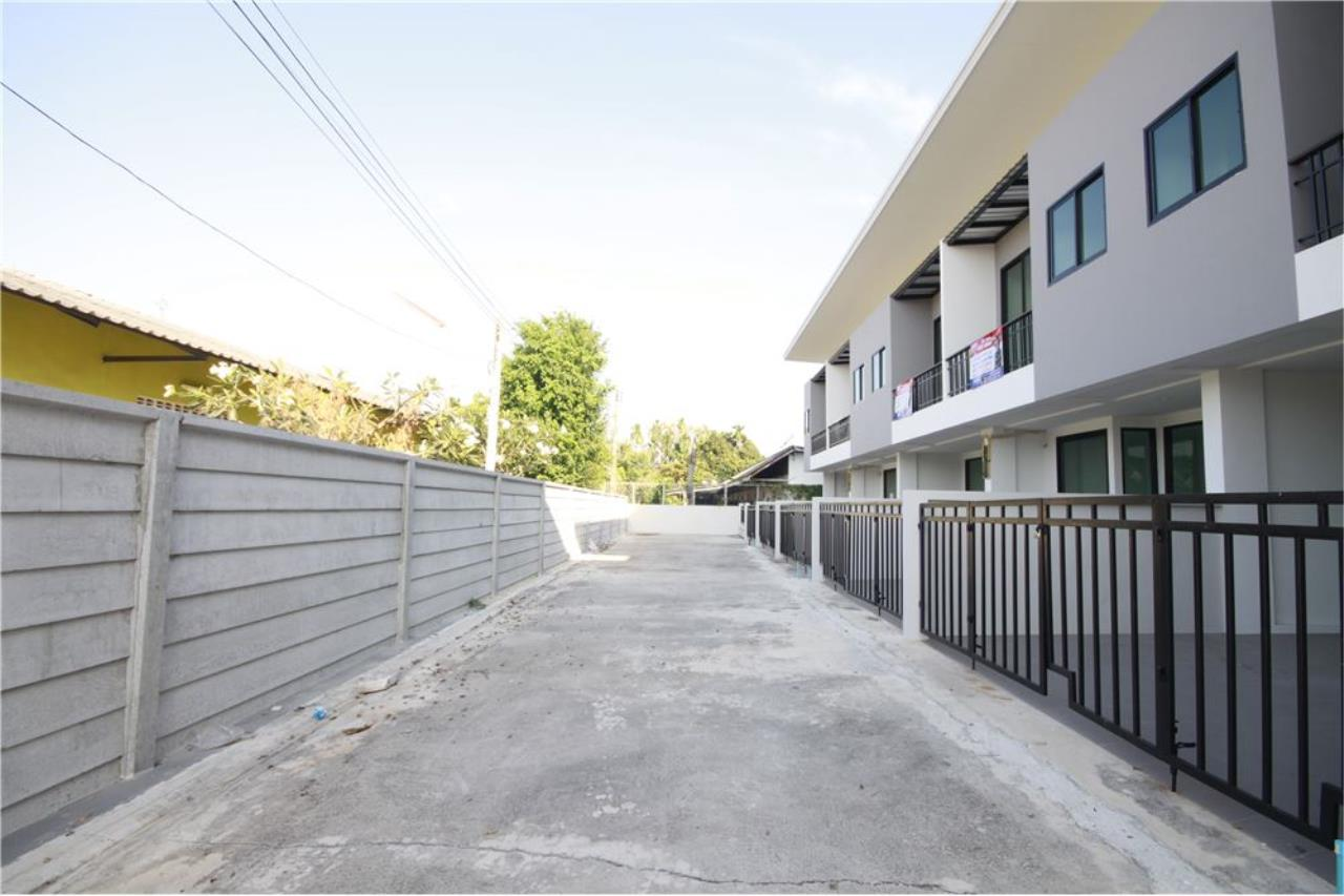 RE/MAX Real Estate Pros Agency's Townhome for sale BE TOWN, Noen Phra, Mueang Rayong Rayong 39