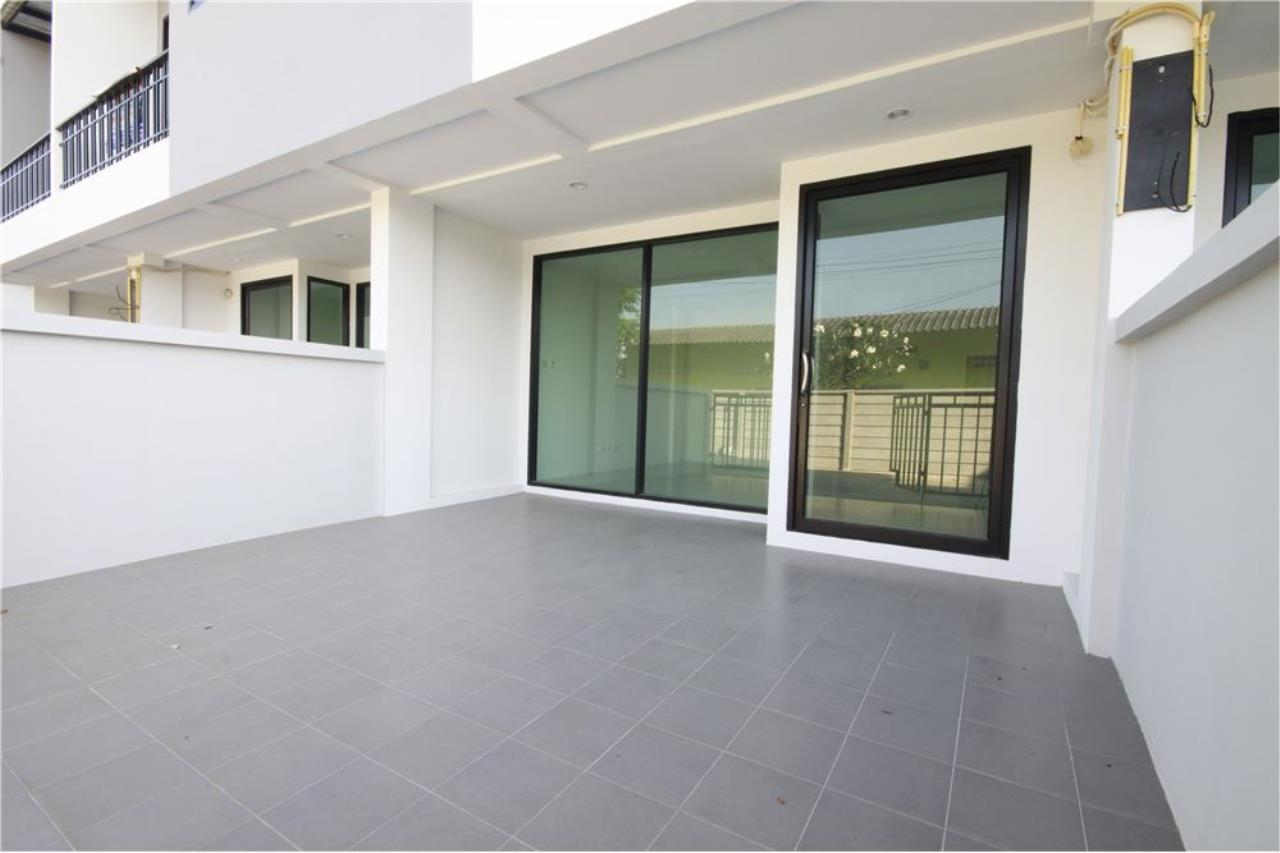 RE/MAX Real Estate Pros Agency's Townhome for sale BE TOWN, Noen Phra, Mueang Rayong Rayong 28