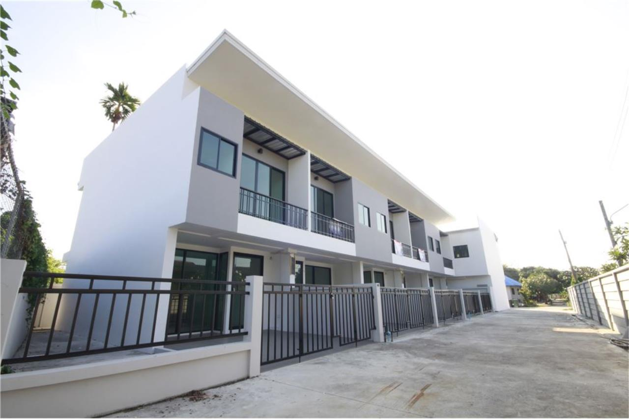 RE/MAX Real Estate Pros Agency's Townhome for sale BE TOWN, Noen Phra, Mueang Rayong Rayong 31