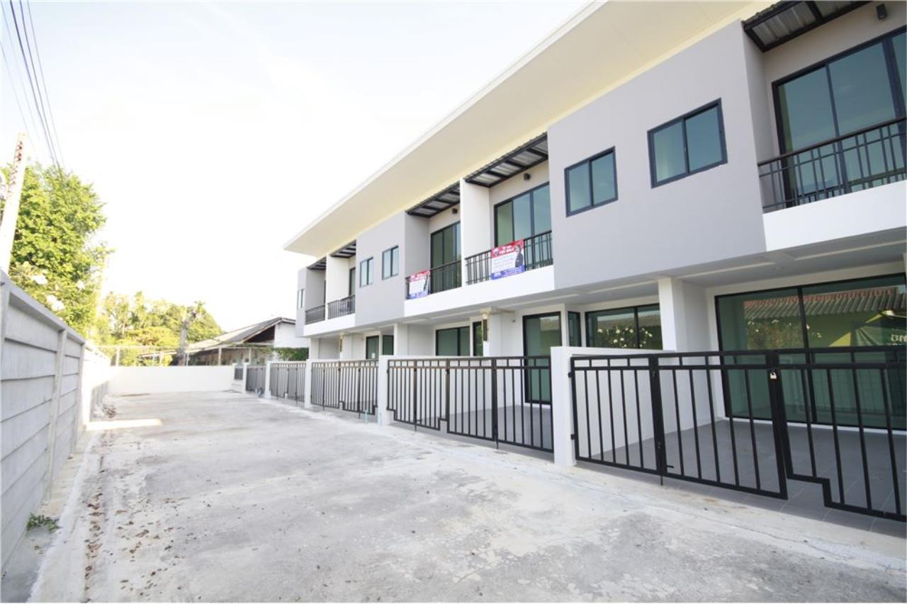 RE/MAX Real Estate Pros Agency's Townhome for sale BE TOWN, Noen Phra, Mueang Rayong Rayong 38