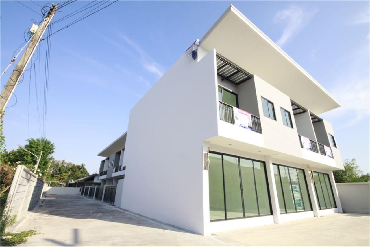 RE/MAX Real Estate Pros Agency's Townhome for sale BE TOWN, Noen Phra, Mueang Rayong Rayong 32