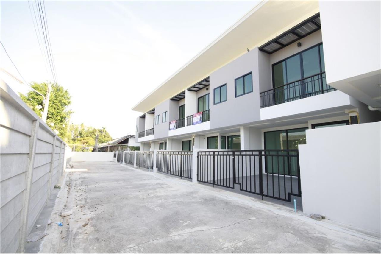 RE/MAX Real Estate Pros Agency's Townhome for sale BE TOWN, Noen Phra, Mueang Rayong Rayong 36