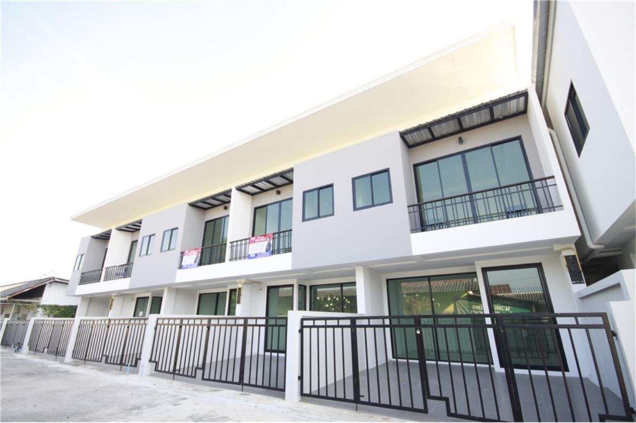 RE/MAX Real Estate Pros Agency's Townhome for sale BE TOWN, Noen Phra, Mueang Rayong Rayong 1