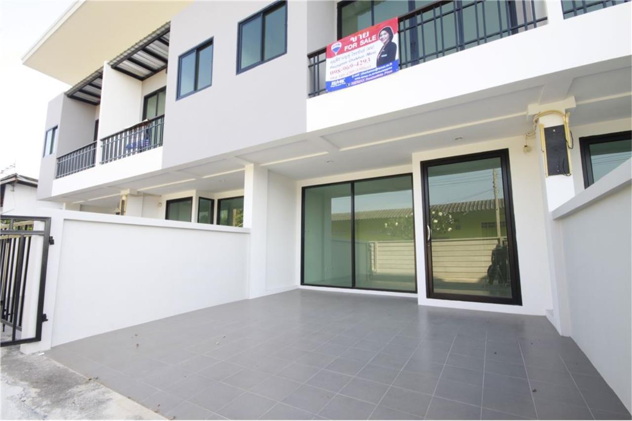 RE/MAX Real Estate Pros Agency's Townhome for sale BE TOWN, Noen Phra, Mueang Rayong Rayong 2
