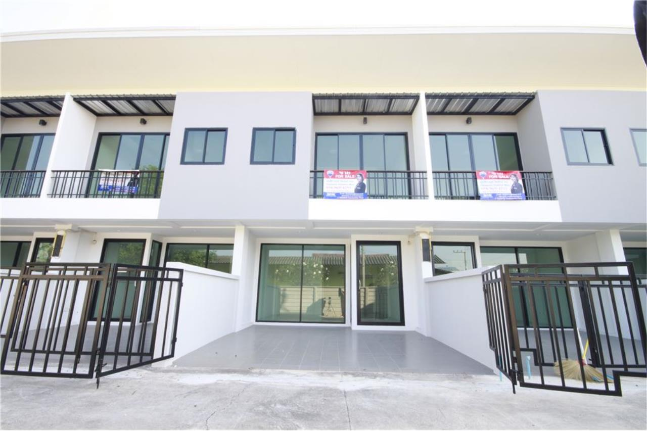 RE/MAX Real Estate Pros Agency's Townhome for sale BE TOWN, Noen Phra, Mueang Rayong Rayong 30