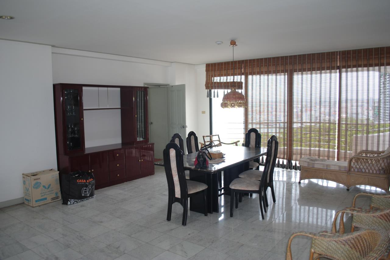 Real Estate in Pattaya Agency's 2 Bed Room Beachfront - Royal Cliff  1
