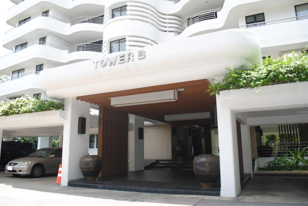 Real Estate in Pattaya Agency's 2 Bed Room Beachfront - Royal Cliff  2