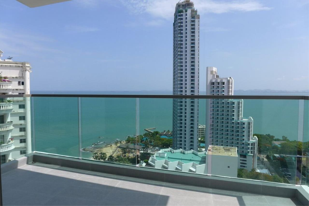 Real Estate in Pattaya Agency's 1 Bed Room - Wongamat Tower 5