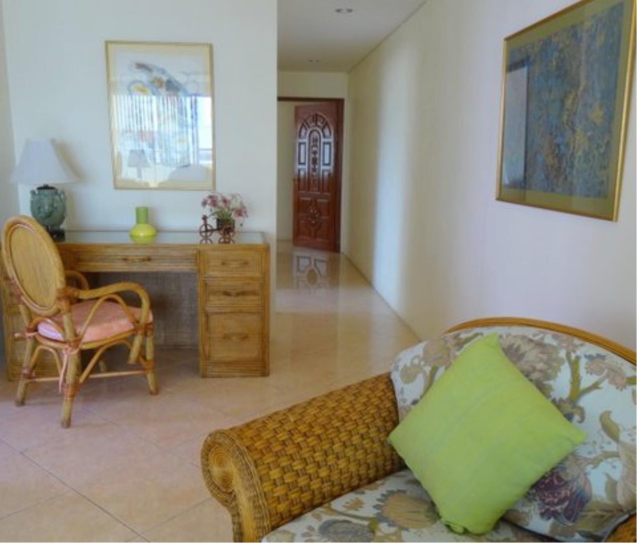 Real Estate in Pattaya Agency's 2 Bed Room - Pratamnuk 3