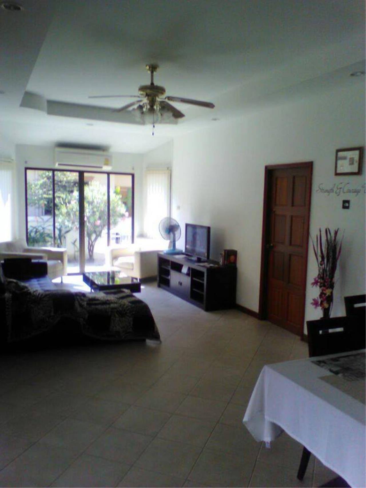 Real Estate in Pattaya Agency's 3 Bed Room Detached House - Khao talo 4