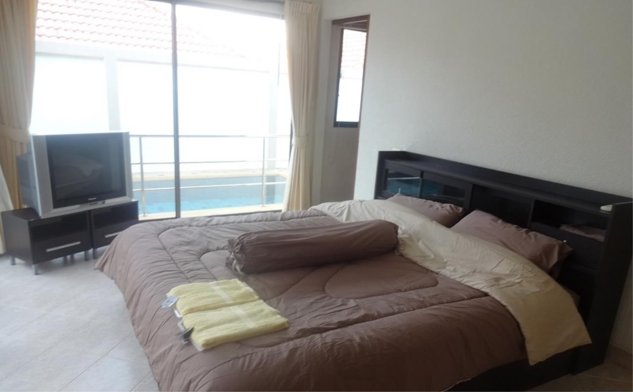 Real Estate in Pattaya Agency's 2 Bed Room Pool Villa - Pratamnuk Hill 5