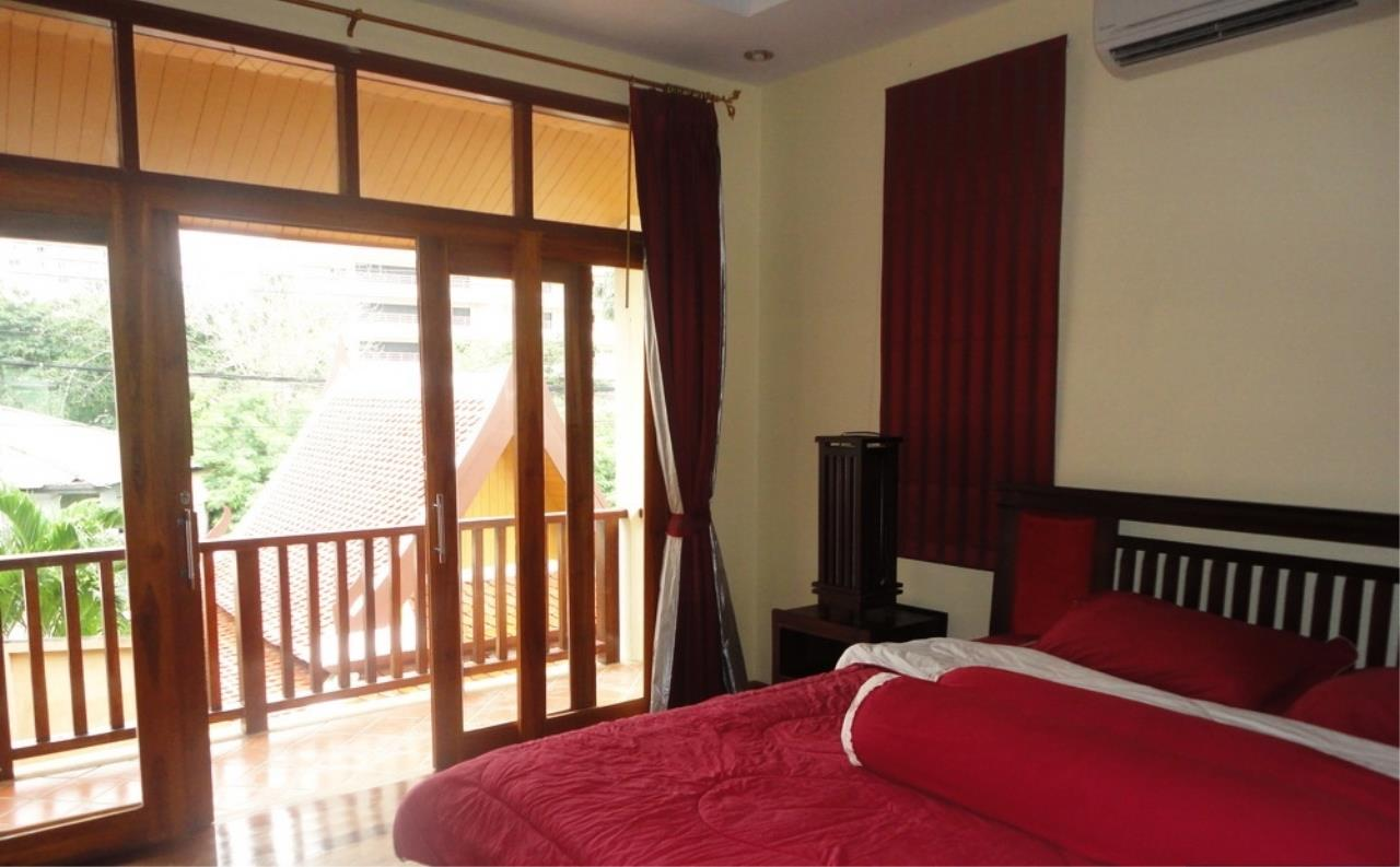 Real Estate in Pattaya Agency's 3 Bed Room Thai Bali Villa 2