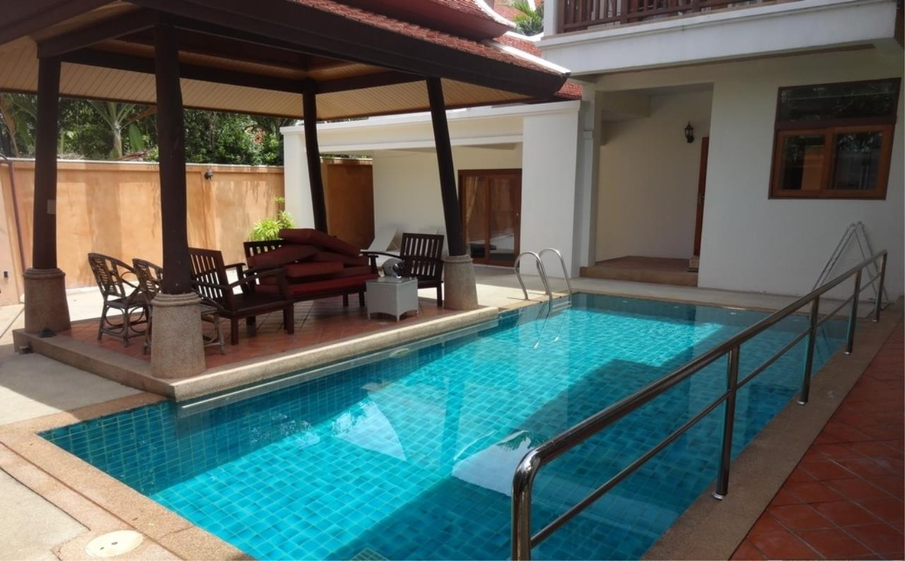 Real Estate in Pattaya Agency's 3 Bed Room Thai Bali Villa 1