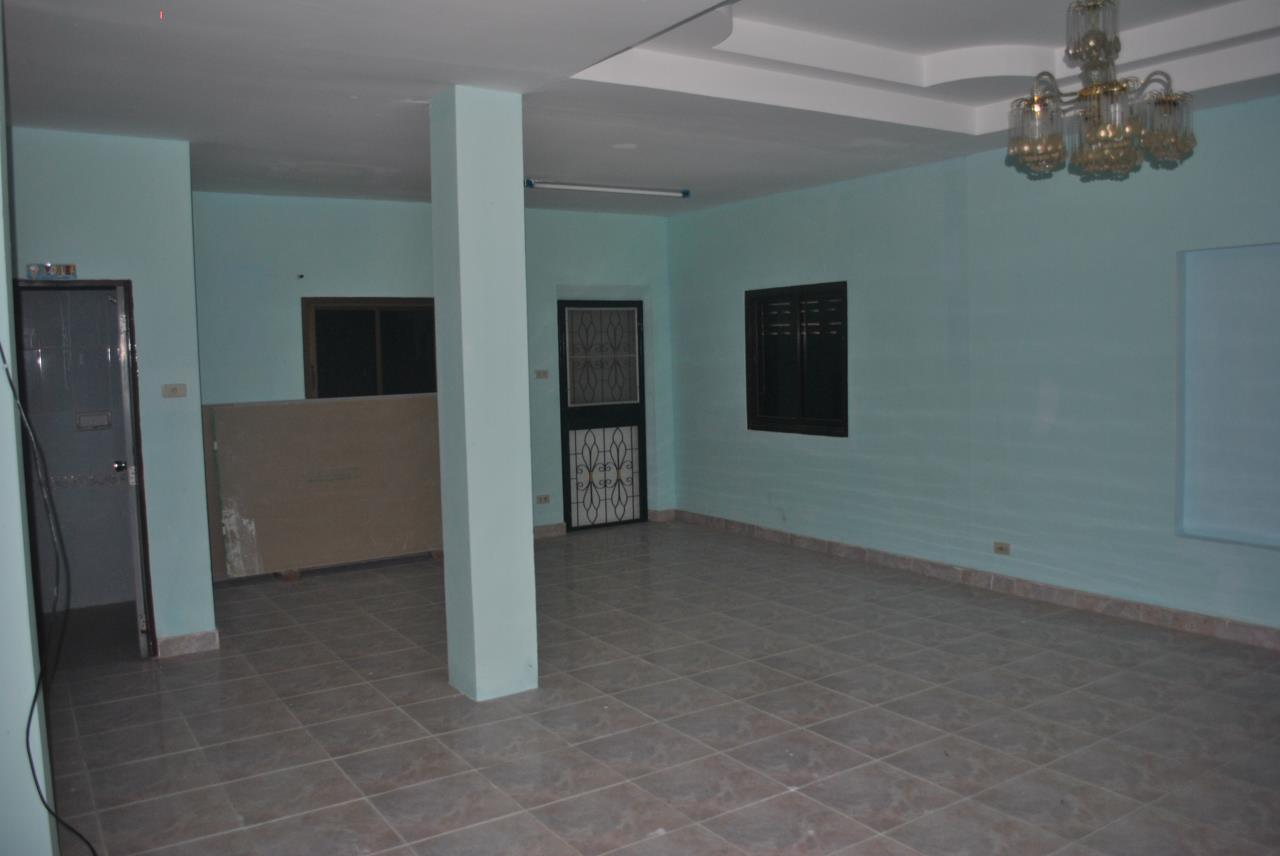 Real Estate in Pattaya Agency's 3 Bed Room House with Business Space 2