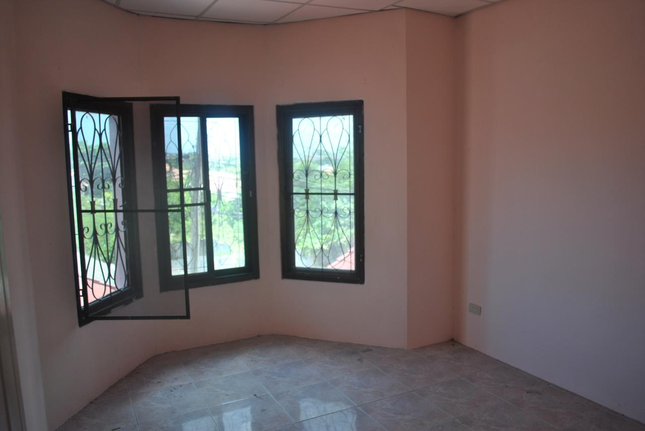 Real Estate in Pattaya Agency's 3 Bed Room House with Business Space 5