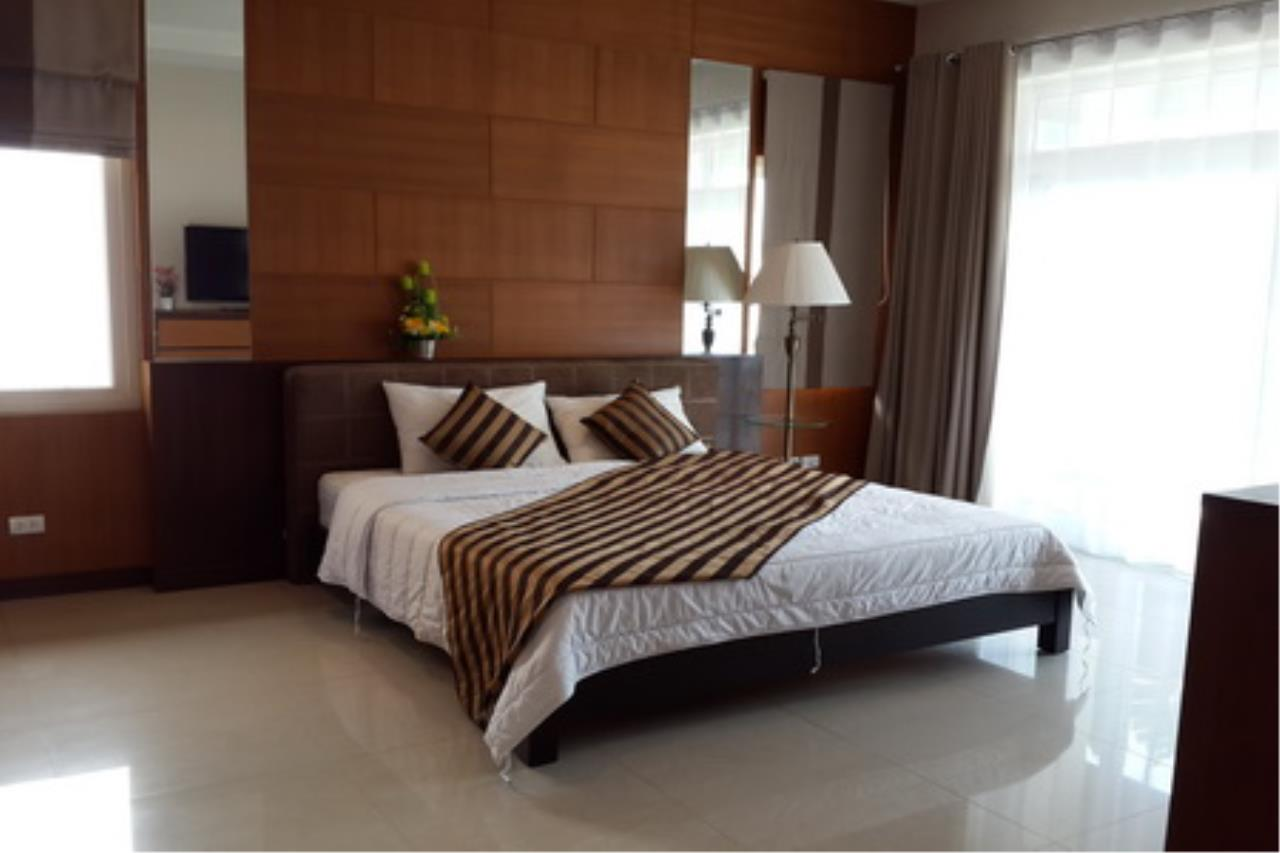 Real Estate in Pattaya Agency's 4 Bed Room Private Pool Villa 5