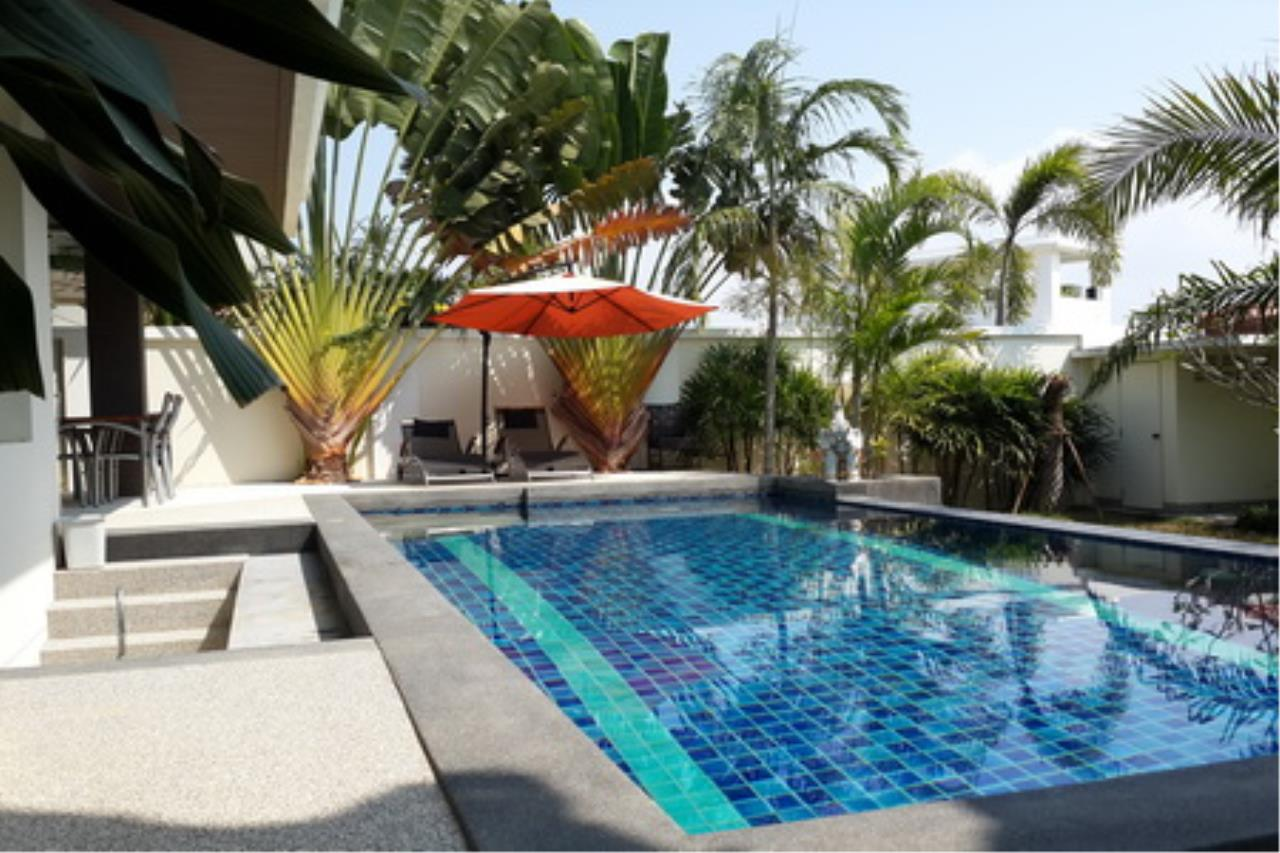 Real Estate in Pattaya Agency's 4 Bed Room Private Pool Villa 9