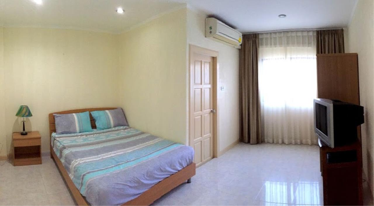 Real Estate in Pattaya Agency's 2 Bed Room Town House 1