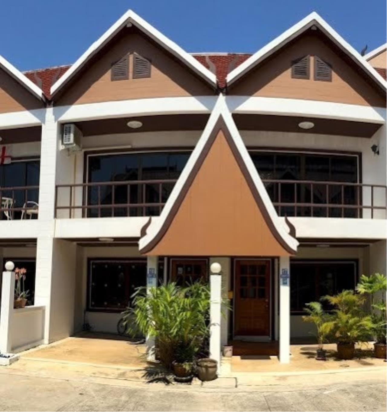 Real Estate in Pattaya Agency's 2 Bed Room Town House 8