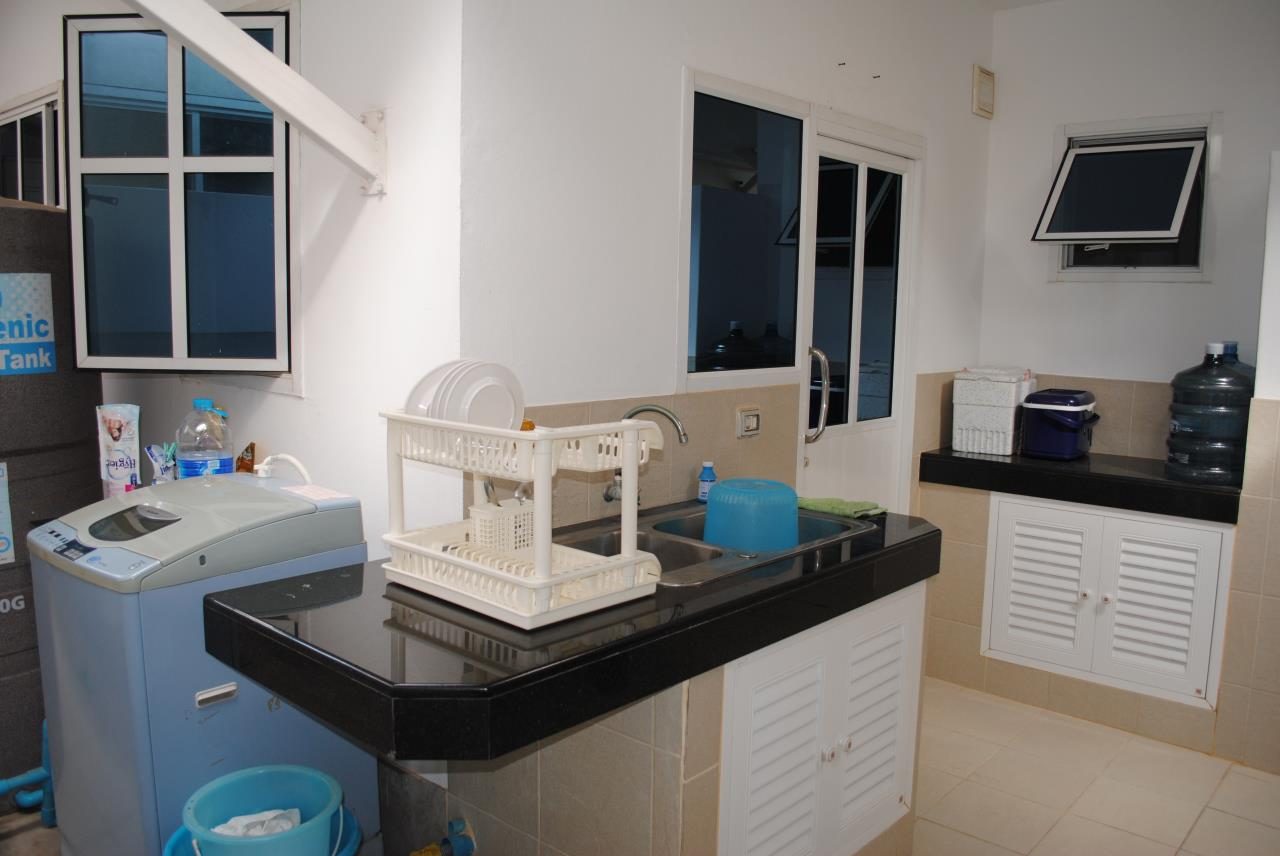 Real Estate in Pattaya Agency's 4 Bed Room - Baan Fah Rim Haad 17