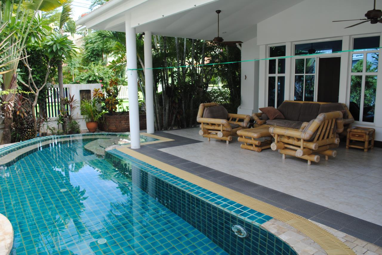 Real Estate in Pattaya Agency's 4 Bed Room - Baan Fah Rim Haad 11