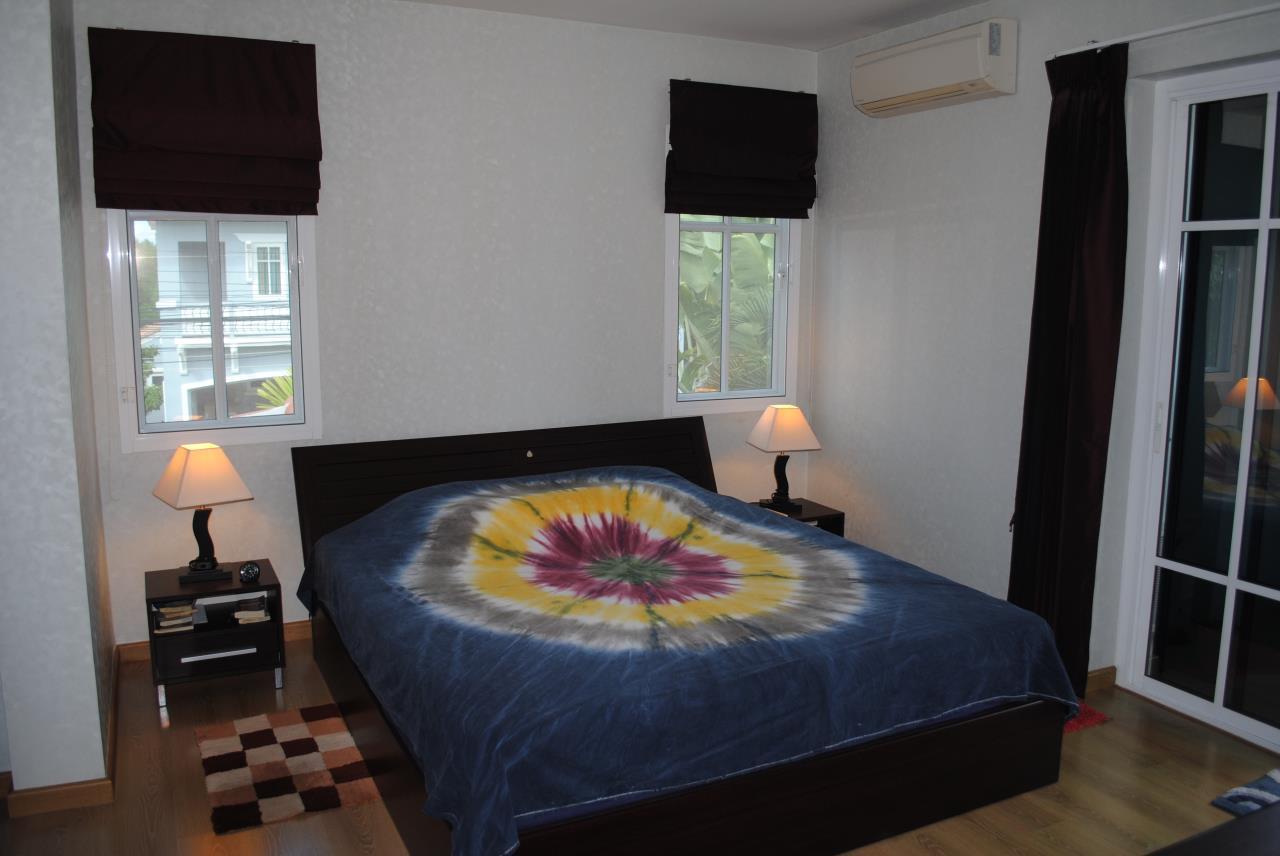 Real Estate in Pattaya Agency's 4 Bed Room - Baan Fah Rim Haad 9