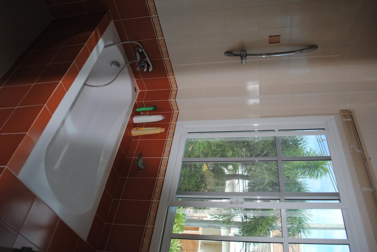 Real Estate in Pattaya Agency's 4 Bed Room - Baan Fah Rim Haad 15