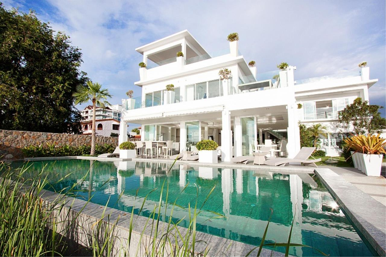 Real Estate in Pattaya Agency's 7 Bed Room - White House Villa 3