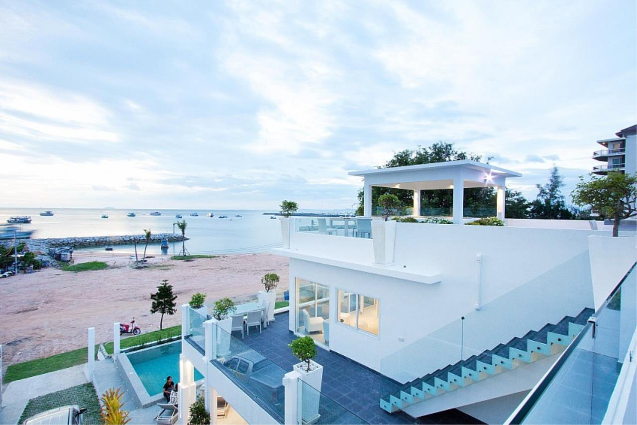 Real Estate in Pattaya Agency's 7 Bed Room - White House Villa 5