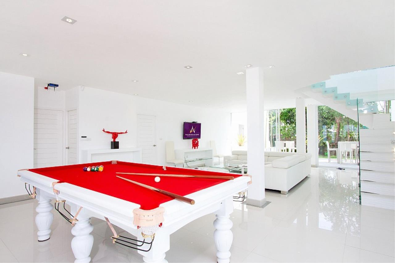 Real Estate in Pattaya Agency's 7 Bed Room - White House Villa 10