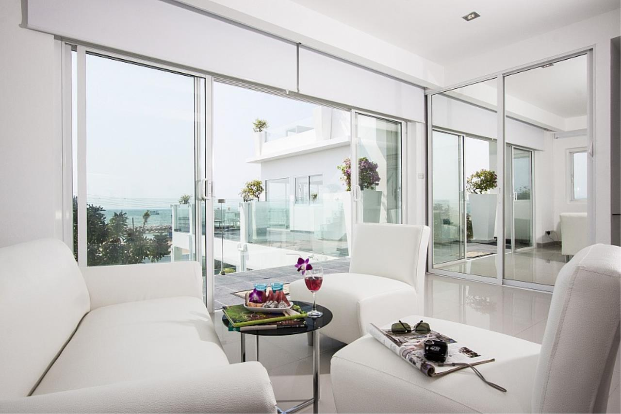 Real Estate in Pattaya Agency's 7 Bed Room - White House Villa 4