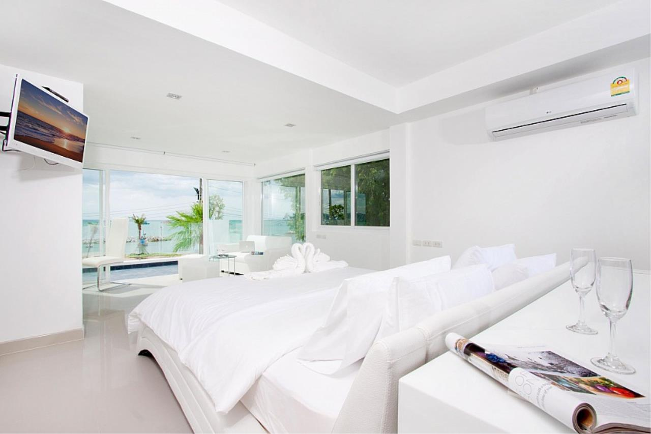 Real Estate in Pattaya Agency's 7 Bed Room - White House Villa 8