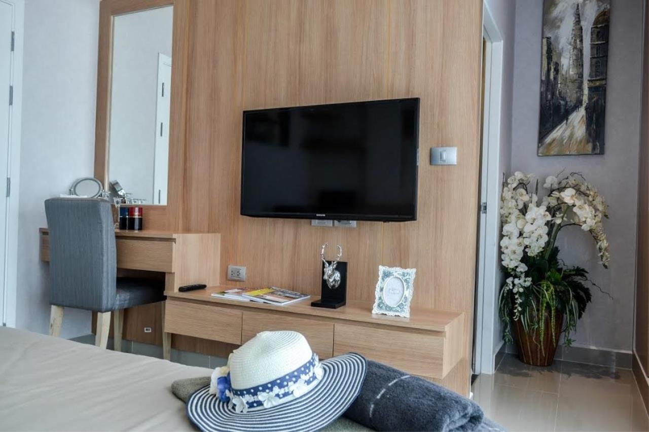 Real Estate in Pattaya Agency's 2 Bed Room - Modern Town House 1