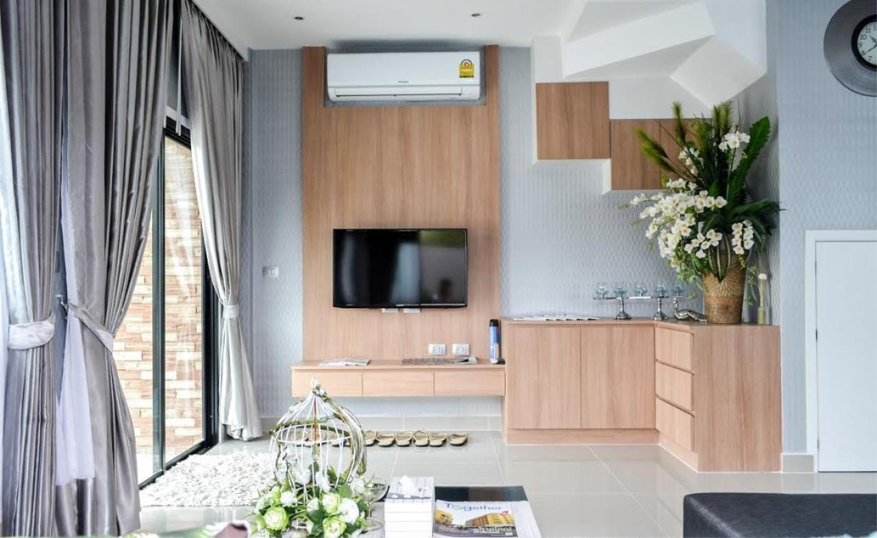 Real Estate in Pattaya Agency's 2 Bed Room - Modern Town House 8