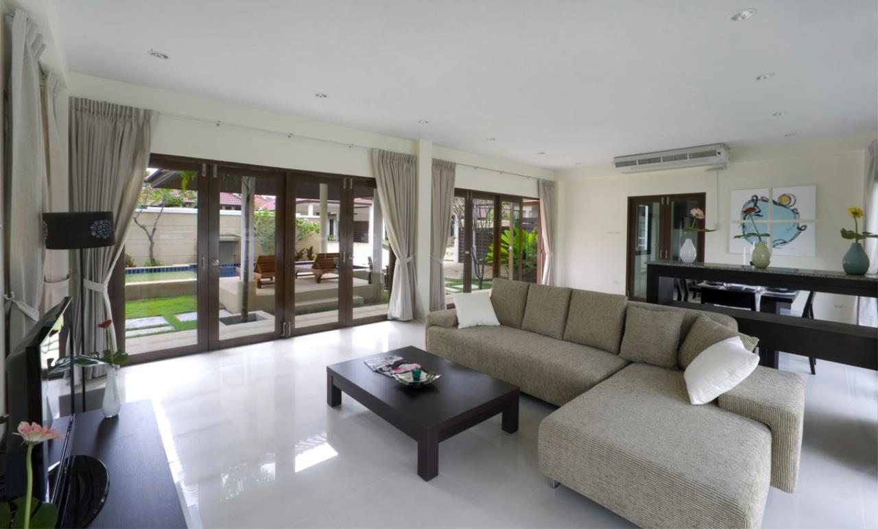 Real Estate in Pattaya Agency's 3 Bed Room - Private Pool House 12