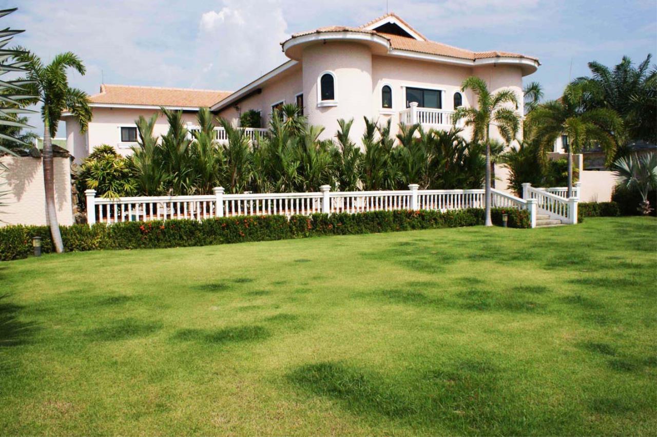 Real Estate in Pattaya Agency's 5 Bed Room - Casa de Torres Villa 9