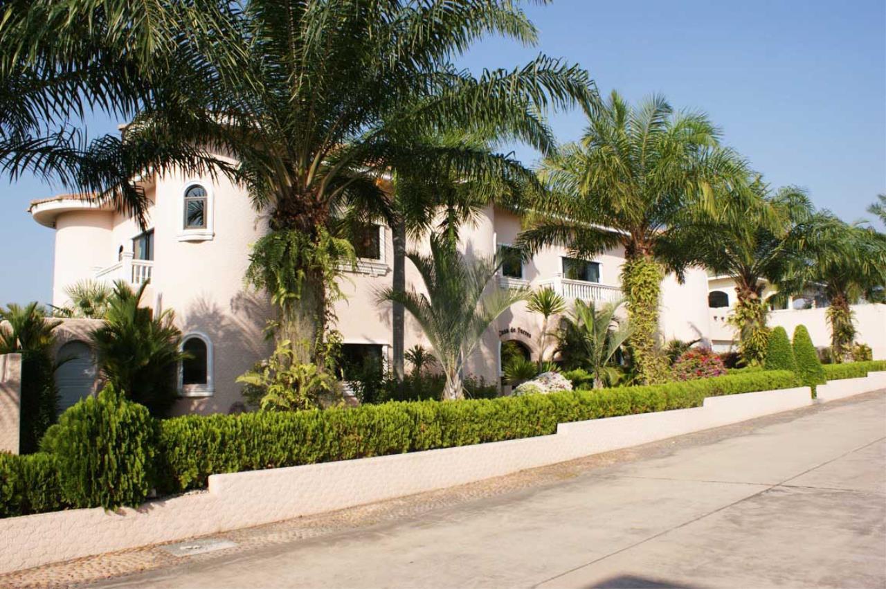 Real Estate in Pattaya Agency's 5 Bed Room - Casa de Torres Villa 12