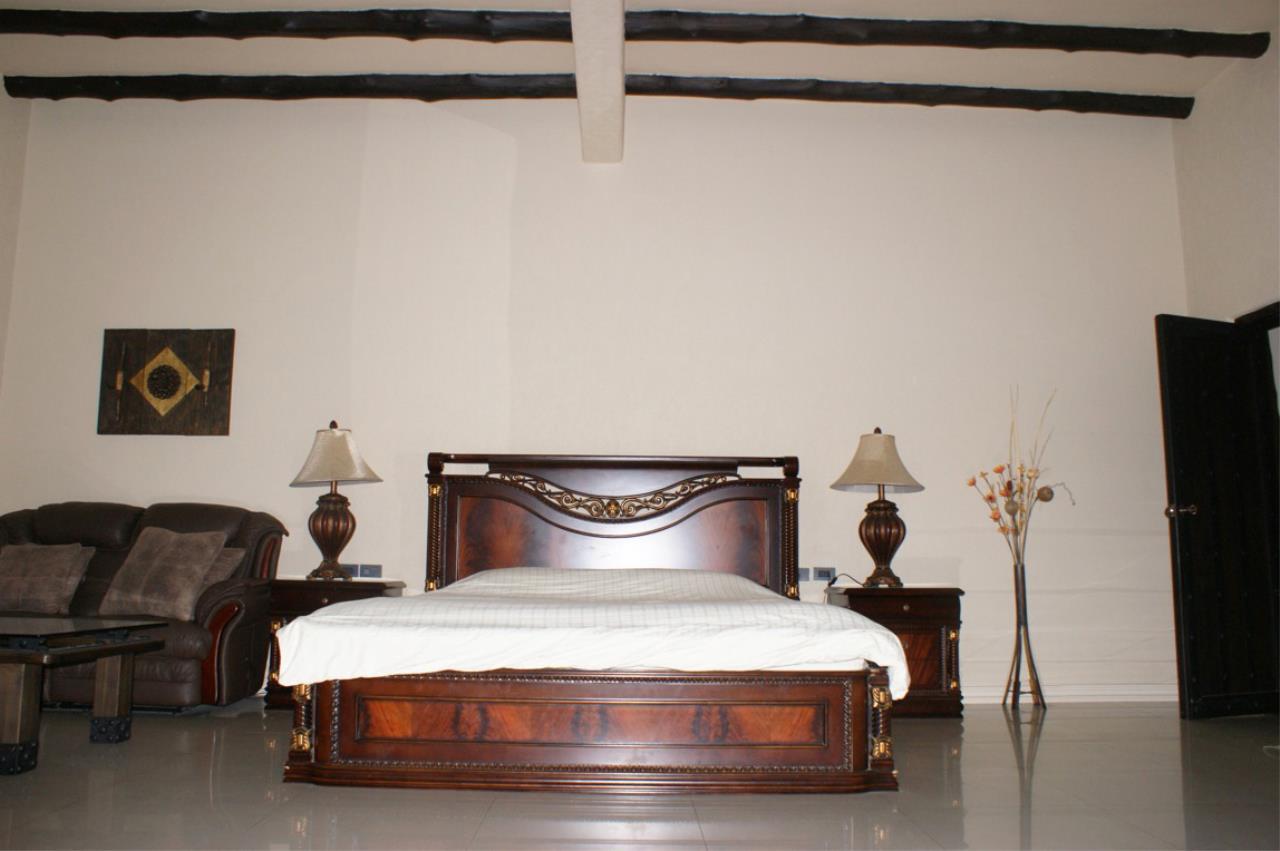 Real Estate in Pattaya Agency's 5 Bed Room - Casa de Torres Villa 1
