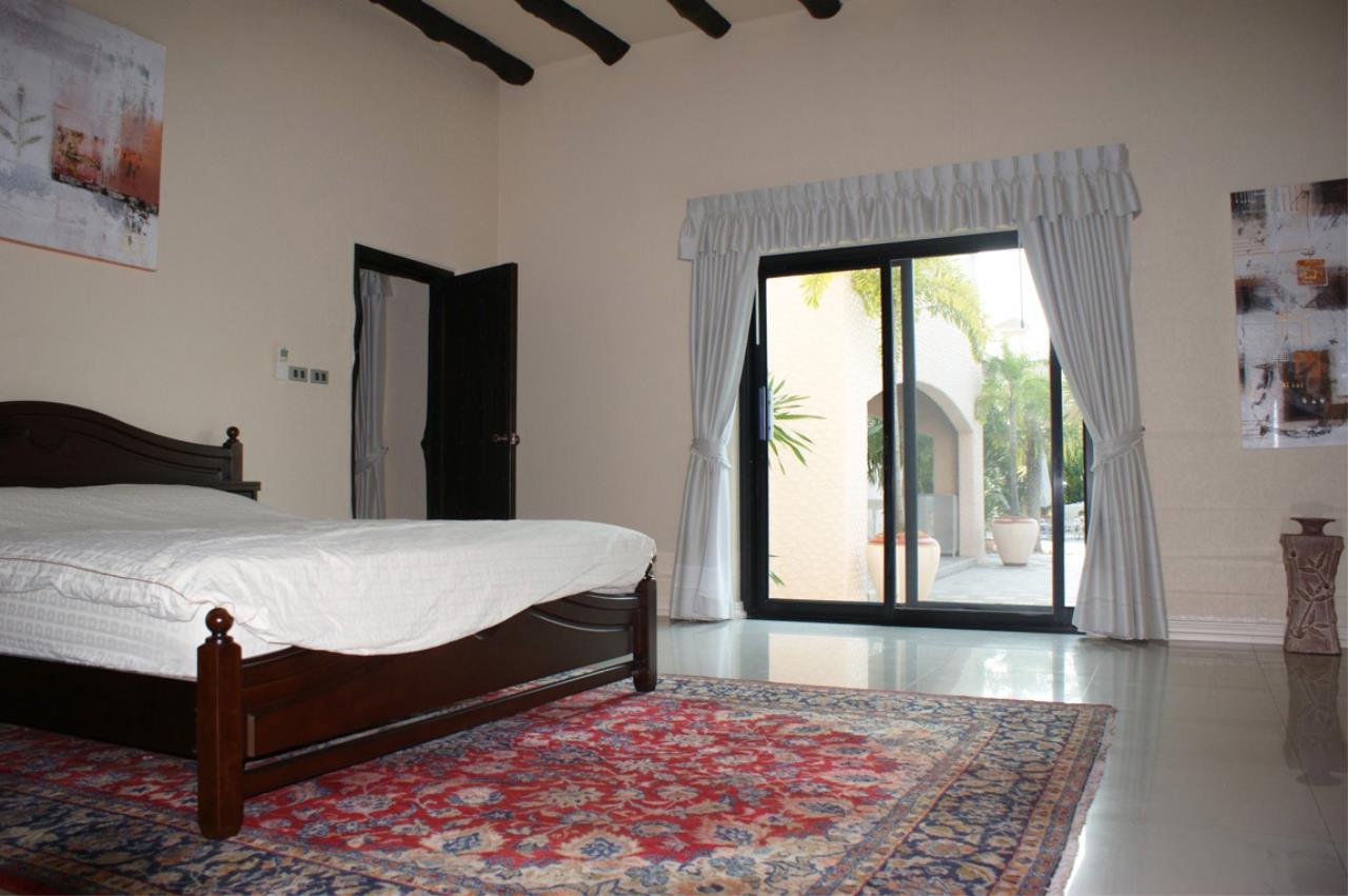 Real Estate in Pattaya Agency's 5 Bed Room - Casa de Torres Villa 10