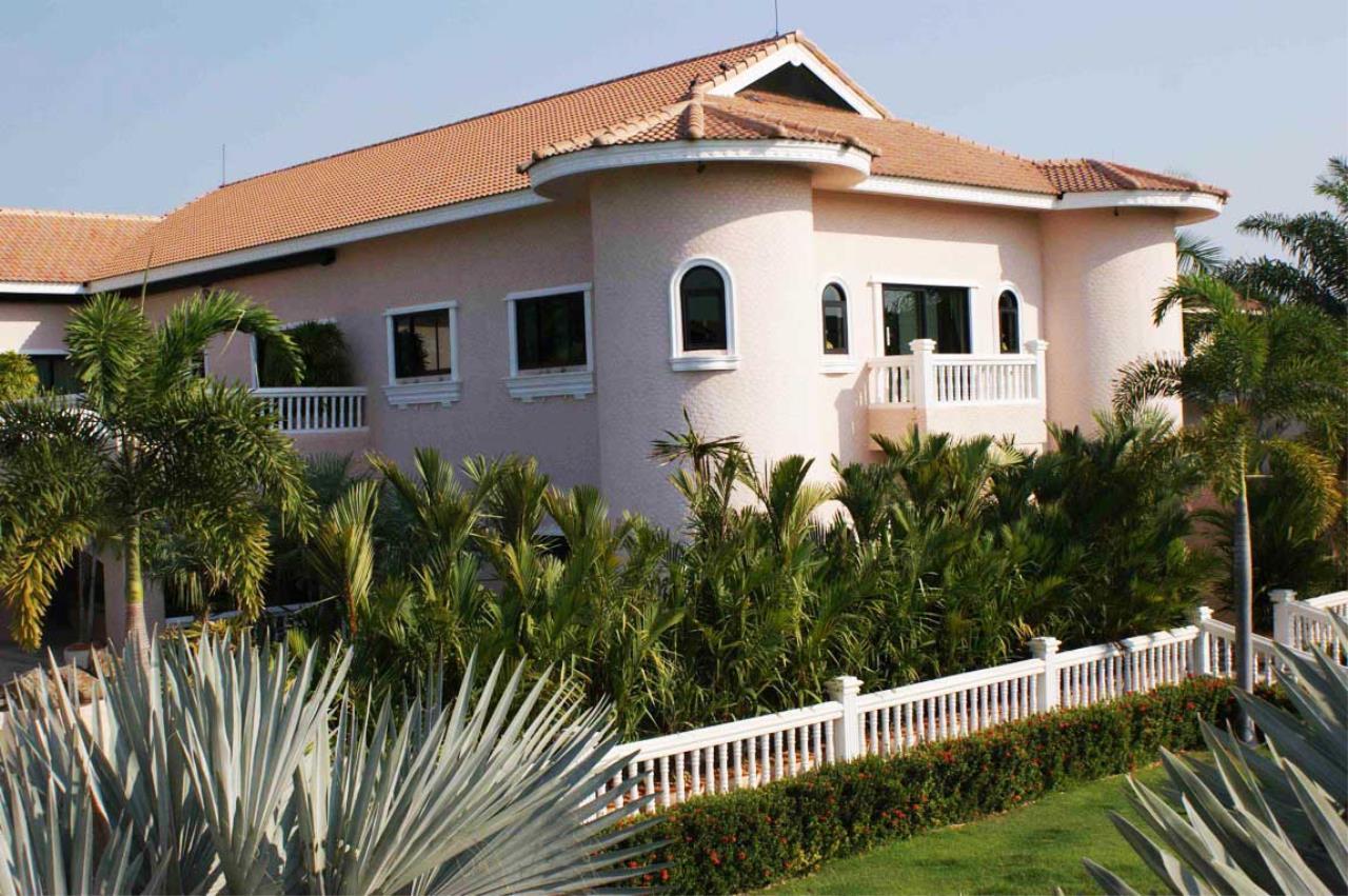 Real Estate in Pattaya Agency's 5 Bed Room - Casa de Torres Villa 13