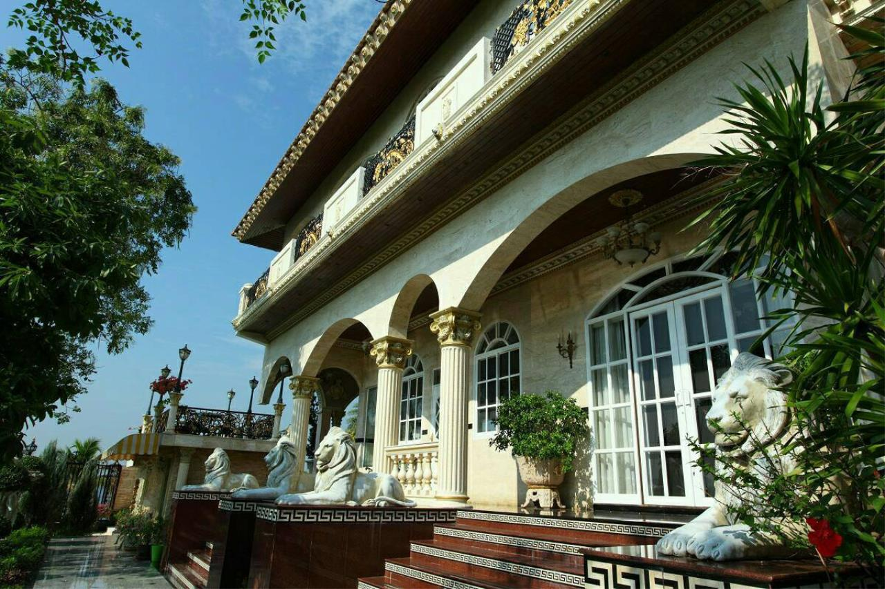 Real Estate in Pattaya Agency's Riverfront Luxury Castle 7