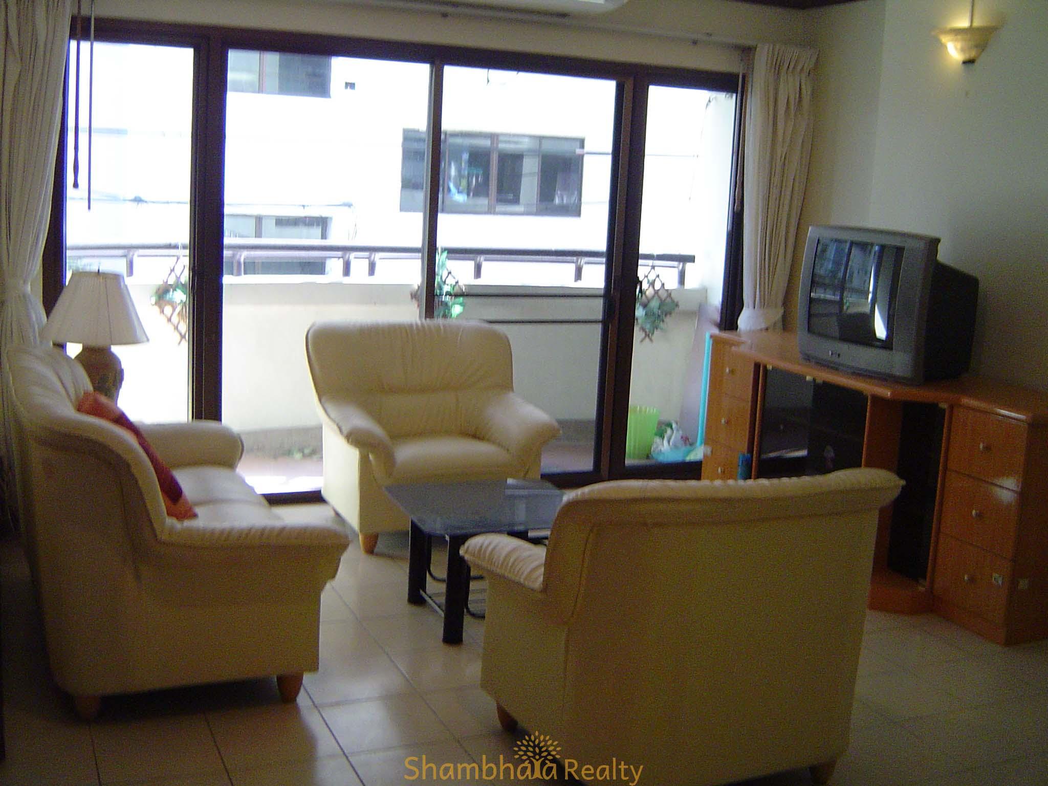 Shambhala Realty Agency's Aree Place For Rent at Sukhumvit 26 1