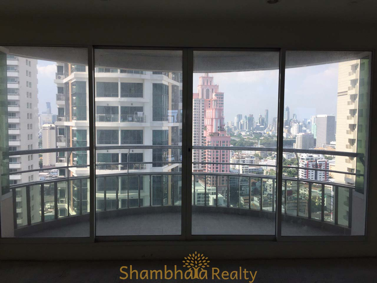 Shambhala Realty Agency's Ideal 24 for Sale, Sukhumvit 24. BTS Phrompong. 1