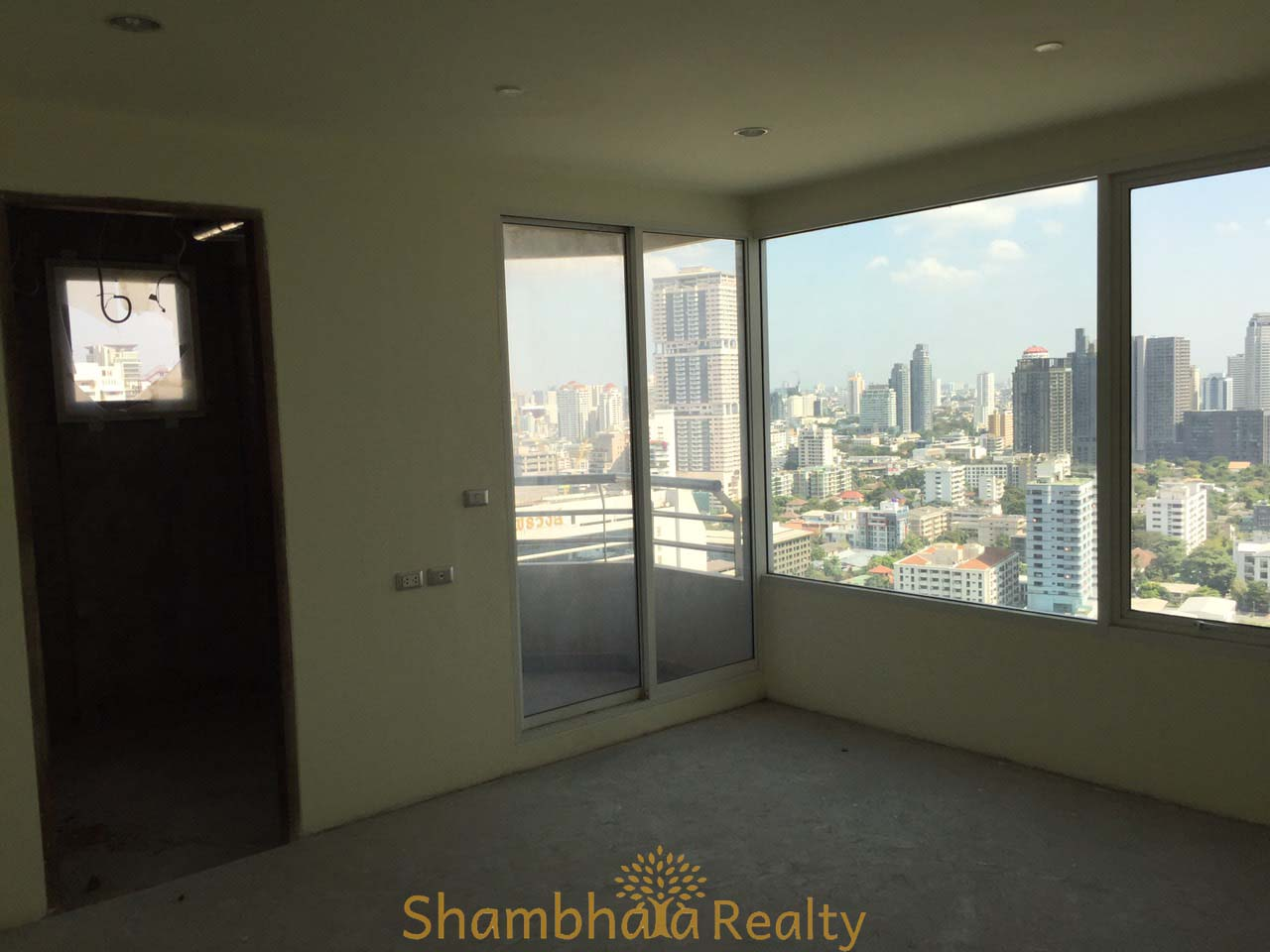 Shambhala Realty Agency's Ideal 24 for Sale, Sukhumvit 24. BTS Phrompong. 3