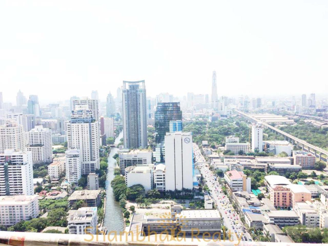 Shambhala Realty Agency's Villa Asoke Condominium for Rent in Petchaburi 11