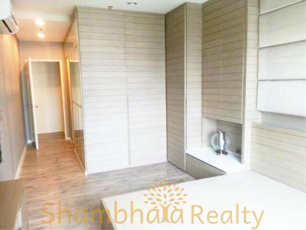 Shambhala Realty Agency's Villa Asoke Condominium for Rent in Petchaburi 1