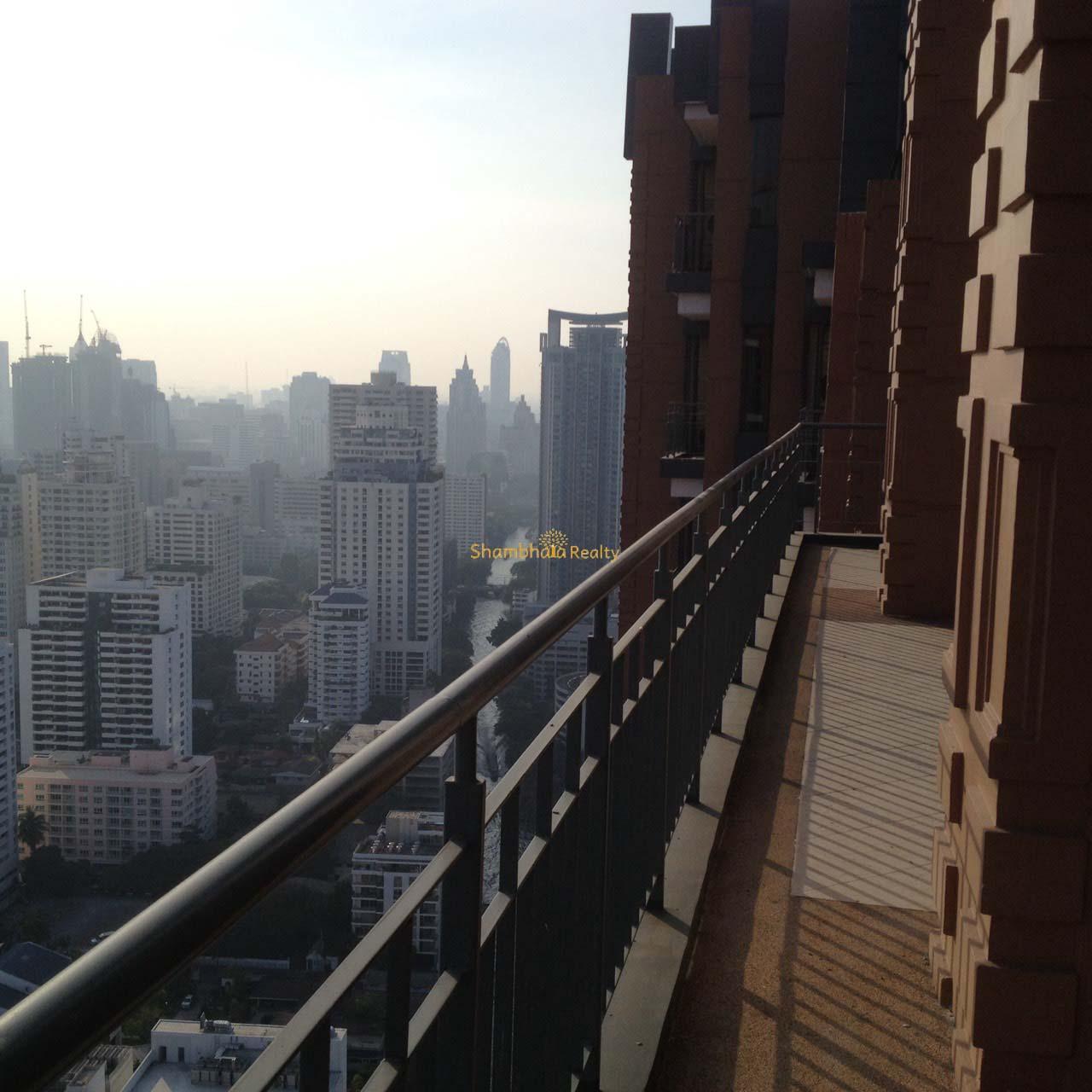Shambhala Realty Agency's Big Villa Asok Penthouse Duplex  2