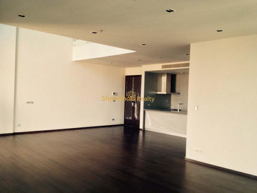 Shambhala Realty Agency's Big Penthouse Sukhumvit Urgent 5