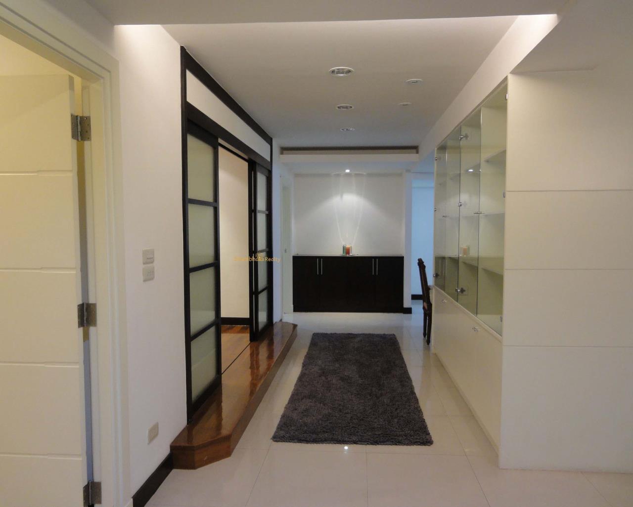 Shambhala Realty Agency's Royal Castle Condominium for Rent in Sukhumvit 39 5